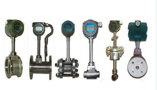 就地累计流量计选型: 以DN40为例: 常用型号:DVS-DG40F11U 0型号注解:就地累计流量计,介质为一般气体,DN40,表体材质为304不锈钢,介质温度:-40-150°C,工作压力4.0MPa以下;现场显示瞬时流量和累计流量,DC24V供电,二线制4-20mA输出,本安型,配套碳钢安装法兰、螺栓螺母等紧固件,夹装法兰式安装。 1.