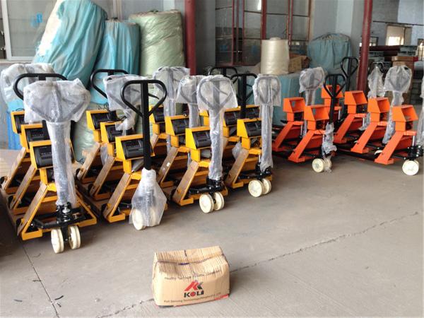 1000公斤液压叉车秤,1500公斤搬运车称价格